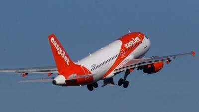 EasyJet возобновляет рейсы