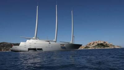 Яхта российского милиардера бросила якорь у берегов Кипра