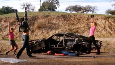 Троих девушек обвиняют в поджоге автомобиля в Пафосе