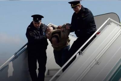 Пассажир рейса Ларнака-Киев устроил дебош из-за просьбы надеть маску