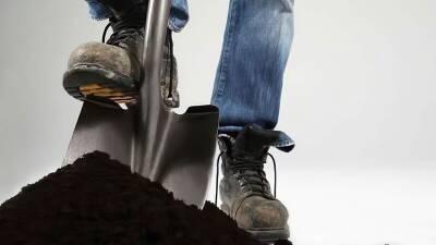 Кто завяжет нам шнурки? Немного об околоцерковных суевериях