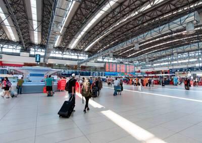 С понедельника изменятся правила возвращения в Чехию из Польши, Нидерландов и Кипра