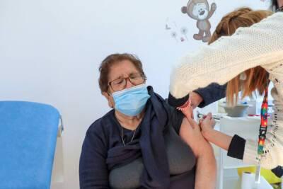 Коронавирус на Кипре: люди старше 70 лет могут сделать третью дозу прививки