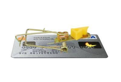 В Пафосе арестован 25-летний мужчина, заплативший в киоске 11 евро украденной кредитной картой