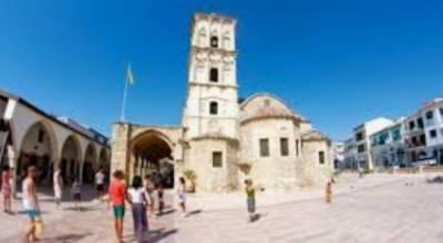 Кипр с 10 мая разрешает въезд без ограничений для туристов, вакцинированных от COVID-19