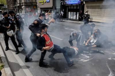 Турецкая полиция задержала сотни человек на первомайском митинге