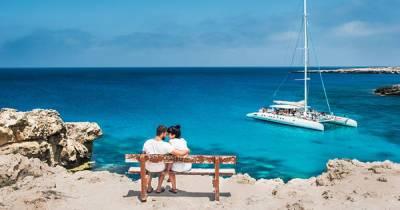 Кипр отменил карантин и тесты для туристов, но есть другое условие въезда