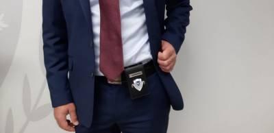 Кипрским полицейским начали раздавать жетоны