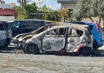 Шесть машин сгорели сегодня утром