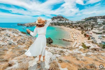 «Я наконец-то здесь»: Греция официально открыта для туристов