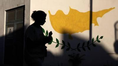 На Кипре зафиксирован первый случай смерти от тромбоза среди вакцинированных AstraZeneca