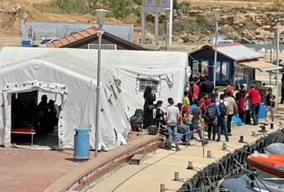 Лодка со 102 нелегальными мигрантами пять дней провела у берегов Кипра. В итоге их пустили в страну