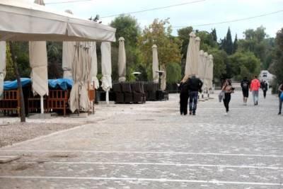 Греция открывает кафе, бары и рестораны спустя 6 месяцев