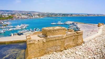 12 отелей в Пафосе заполнены российскими и израильскими туристами