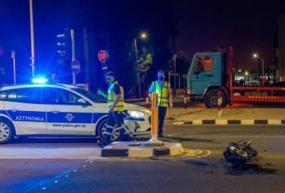 Две аварии в Лимассоле: 20-летний мотоциклист лишился ноги, у охранника офиса по прокату авто множественные переломы