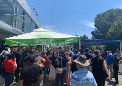 Огромная толпа в центре вакцинации State Fair (ФОТО)