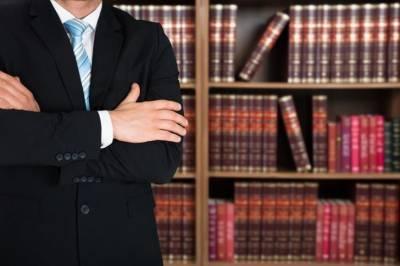 Адвокаты протестуют против ослабления мер Covid