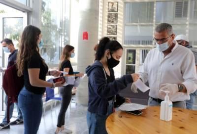 Выпускница школы рискует не поступить в вуз из-за халатности лаборатории минздрава Кипра