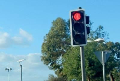 На кольцевой развязке Айос Филаксеос в Лимассоле появились «умные» светофоры