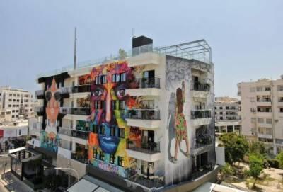 В Ларнаке откроется отель с гигантскими граффити на фасаде