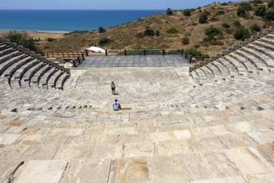 Новая исследовательская программа оцифрует тысячи древних предметов, хранящихся в музеях Кипра