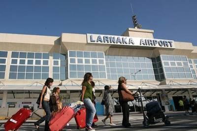 Меркель с Макроном пожурили Кипр за туристов из России