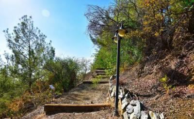 Посетите живописную тропу в Като Платрес