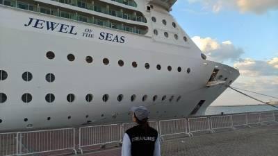 В порт Лимасола прибыл 13-палубный круизный лайнер