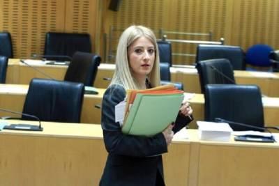 Disy выдвинула на пост спикера парламента Кипра женщину и была обвинена... в сексизме