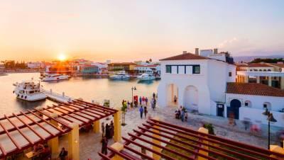 Кипр будет принимать туристов, вакцинированных «Спутником V»