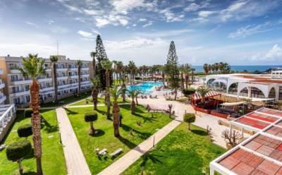 Рай для семейного отдыха в обновленном отеле Louis Phaethon Beach