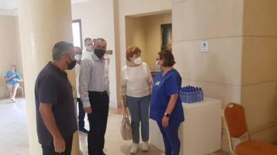 Минздрав Кипра заявил, что вакцинация сотрудников отеля станет сигналом для туристов о безопасности