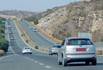 Ответственность за оплату туристами штрафов за нарушения ПДД на Кипре возложат на владельцев прокатных контор