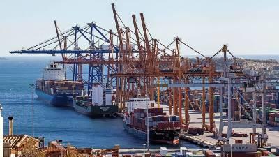 Китай хитростью и деньгами захватывает ключевые порты мира