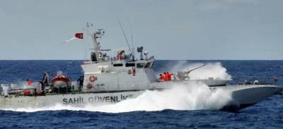 Береговая охрана Турции обстреляла катер морской полиции Кипра