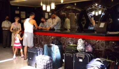 Туристов не разместили в Турции в забронированные отели