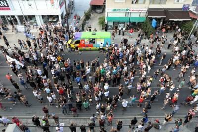 На Кипре прошел очередной антиковидный митинг