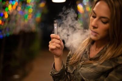 ВОЗ выступает против распространение электронных сигарет