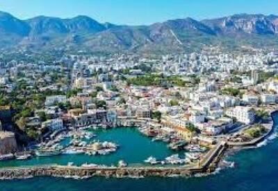 Кипр меняет правила въезда для невакцинированных украинцев