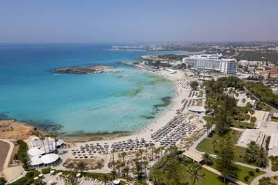 Власти Кипра назвали условия принятия российских туристов