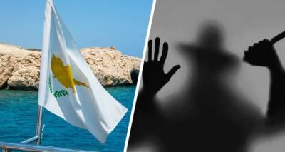 Росийского туриста ранил ножом грабитель в номере отеля на Кипре