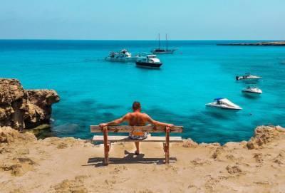 На Кипр пришла вторая волна жары 2021 года