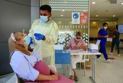 Глава минздрава Кипра: невакцинированным придется платить за экспресс-тесты