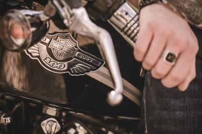 В Лимассоле байкеры избили и ограбили курьера по доставке еды