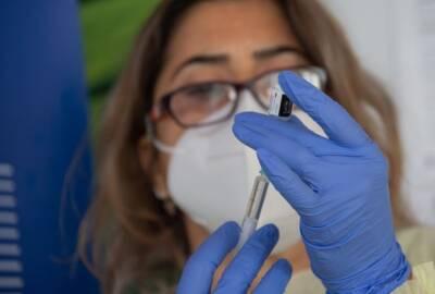 Власти Кипра близки к одобрению третьей дозы вакцины