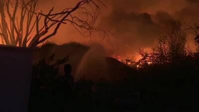Пожары продолжают бушевать в Греции
