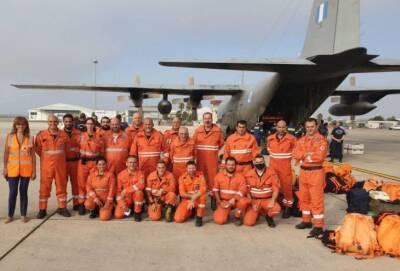 40 киприотов улетели в Грецию тушить пожары к северу от Афин