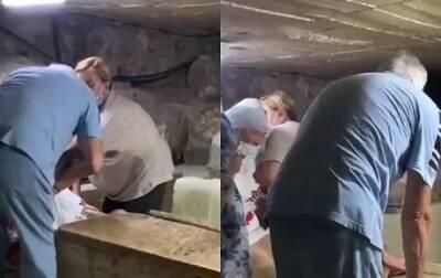 Курьез: на Кипре пенсионерка зачем-то залезла в саркофаг святого Лазаря и застряла (ВИДЕО)