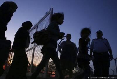 Нелегальные мигранты, которым отказали в убежище на Кипре, не покидают страну