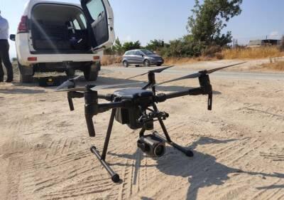 Полиция с помощью дрона ищет пропавшую женщину в Полемидии